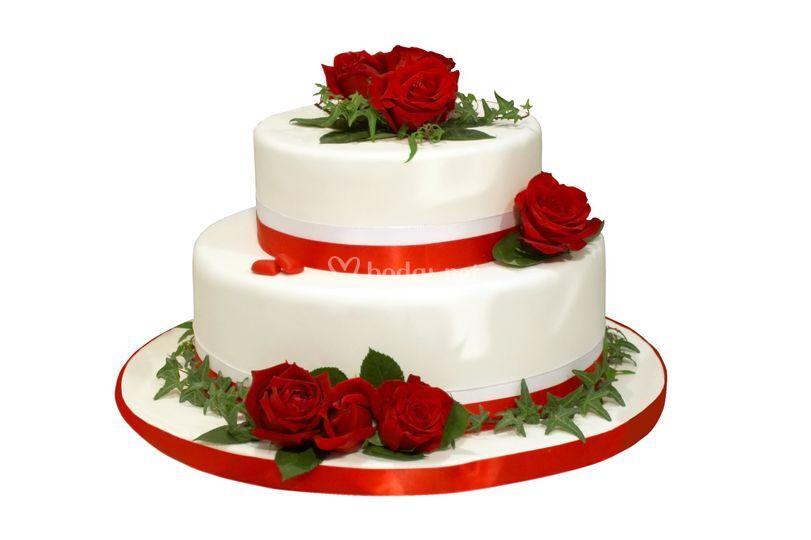 Tarta boda rosas frescas