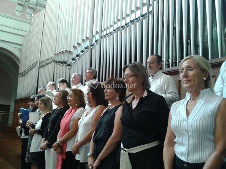 Coro durante una actuación