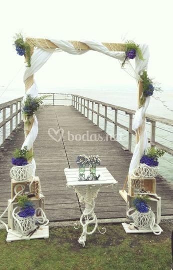 Ceremonia al borde del mar...