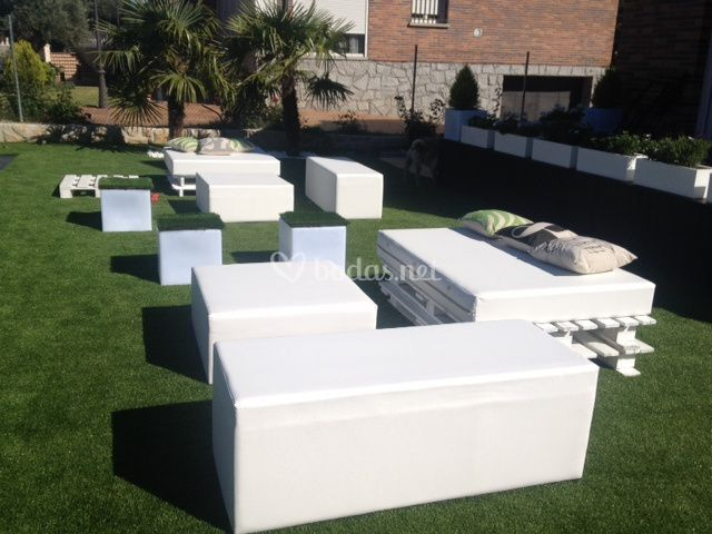 Alquiler muebles eventos for Muebles chill out