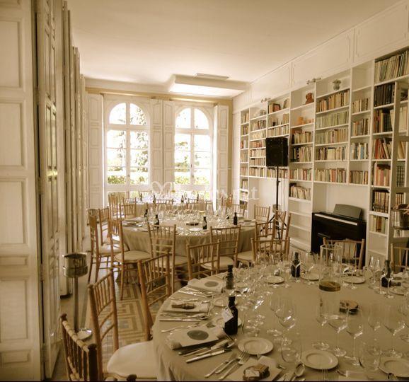 Banquete en la biblioteca