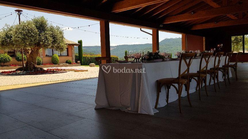 Banquete íntimo en el porche