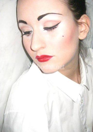 Maquillaje pin up adaptado