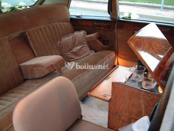 Interior Daimler Blanco Hueso