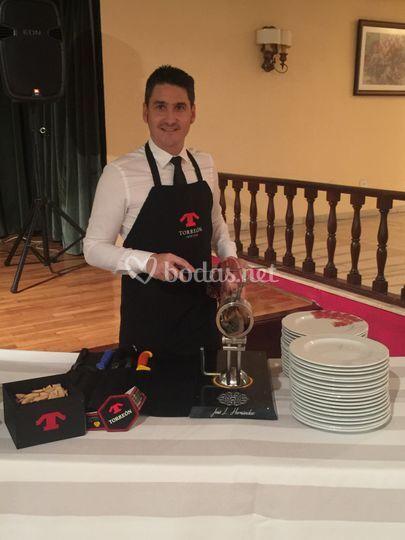 Jose luis hern ndez cortador de jam n for Campo de tiro las mesas