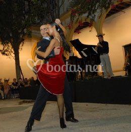AlyCris Tango
