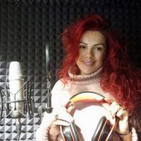 Laura  Loeches