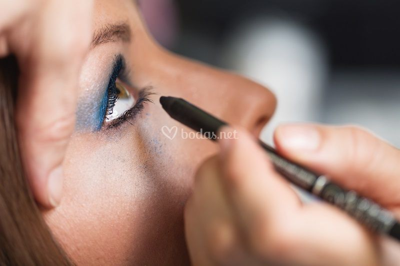 Pintando los ojos