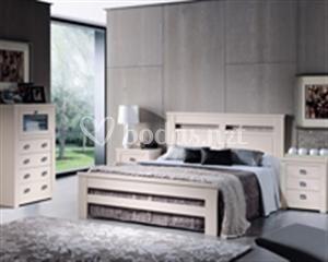 Dormitorios. Acabado en madera de pino
