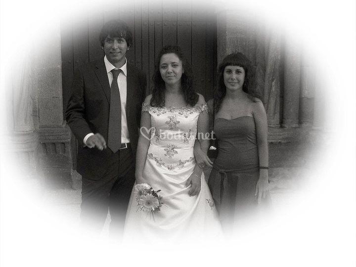 La novia con sus amigos