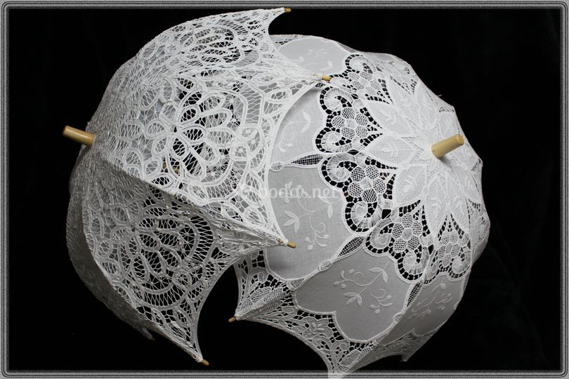 Sombrillas blancas