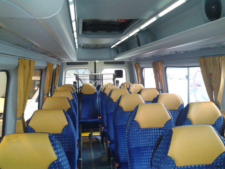 Interior del microbús