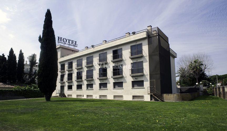 Hotel ciudad de castelldefels grup soteras for Jardin cipres