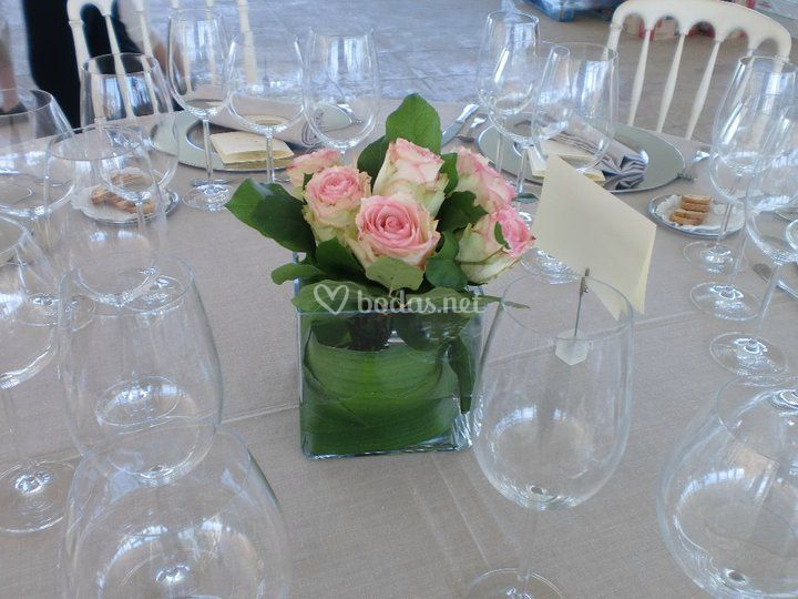 Centro de mesa con rosas