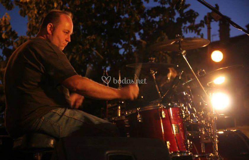 Carlos, batería