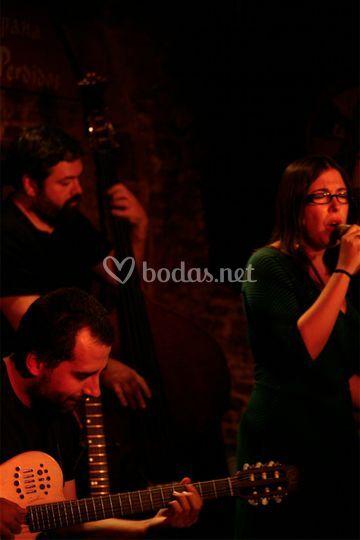 Terela Strings&Songs