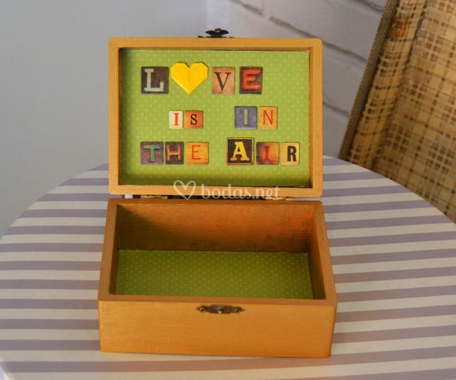 Caja de arras love is in the air
