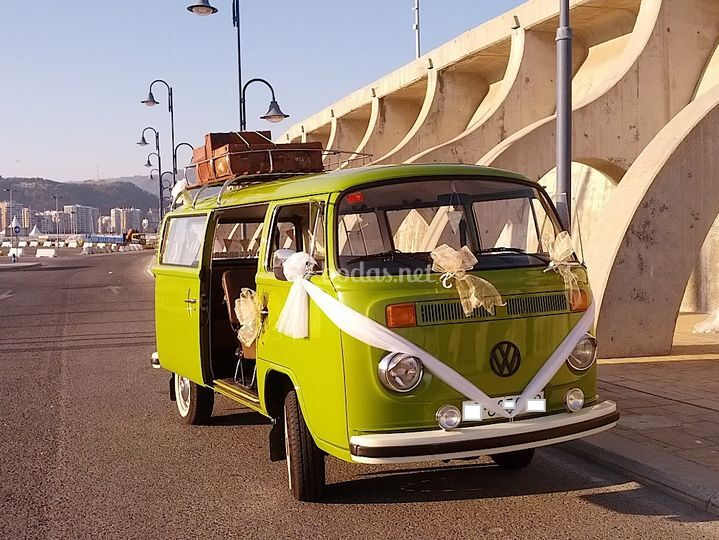 VW T2 Kombi Microbus Deluxe 76