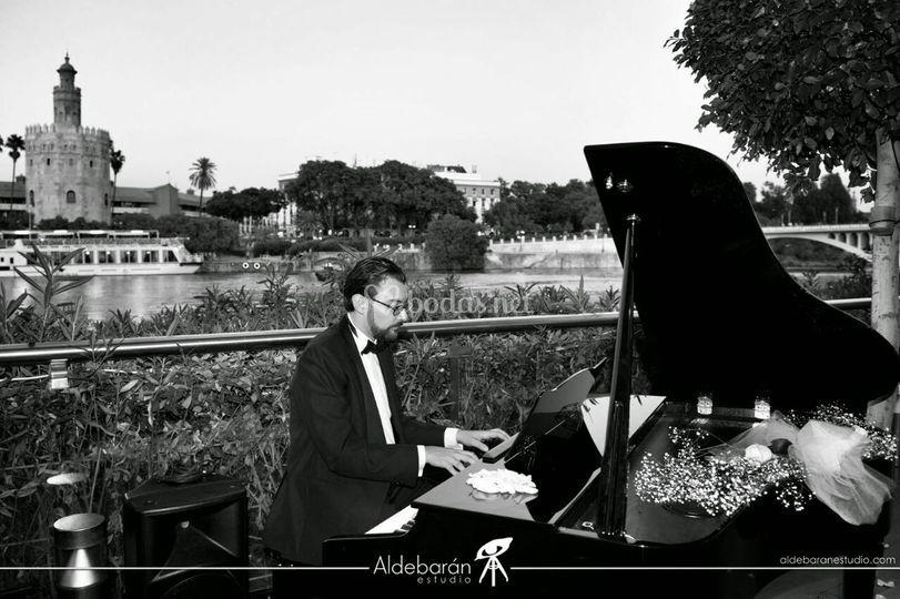 Pianista en espacio singular
