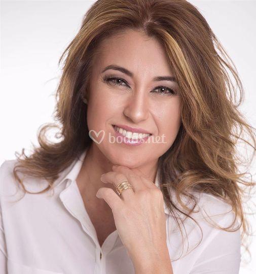 Angélica León