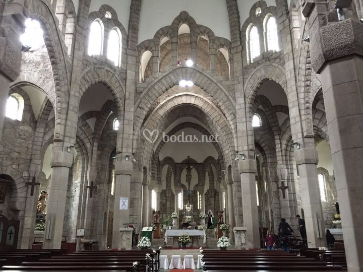 Montando en la iglesia