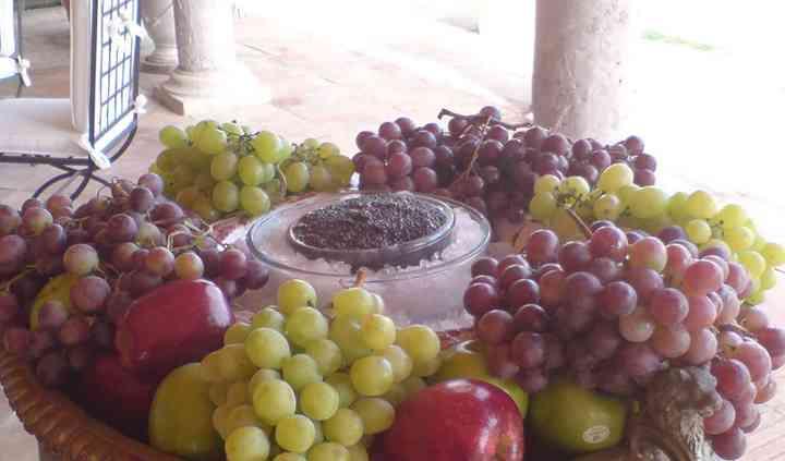 Caviar y frutas