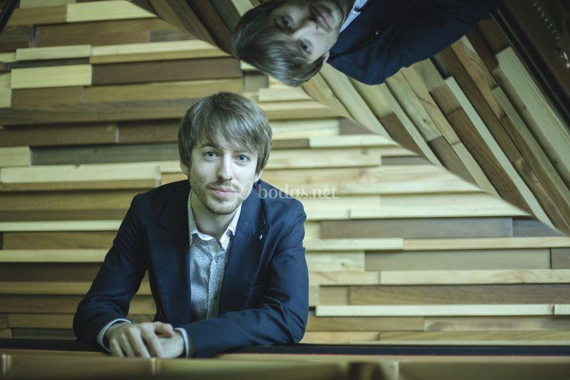 David, piano