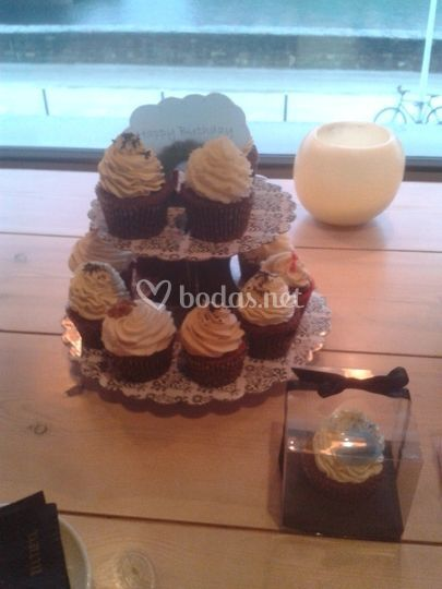 Expositor Cupcakes y Cupcake