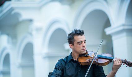 Antton Violinist 1