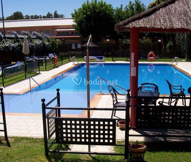 R o badajoz hotel for Hoteles en badajoz con piscina