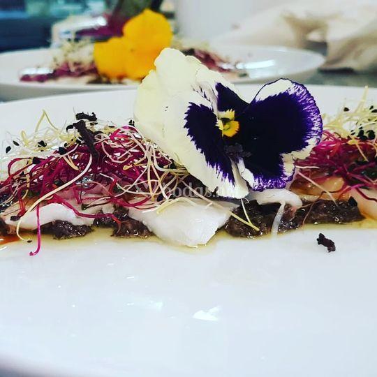 Carpaccio pez blanco y trufa