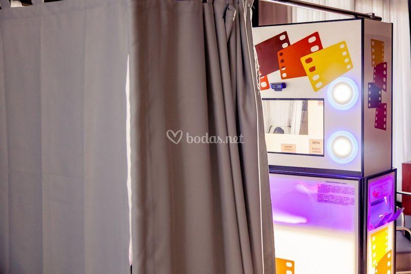 Fotomatón con cortina