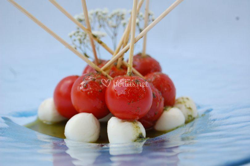 Pincho de cherry y mozarella