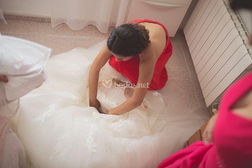 Preparando el vestido