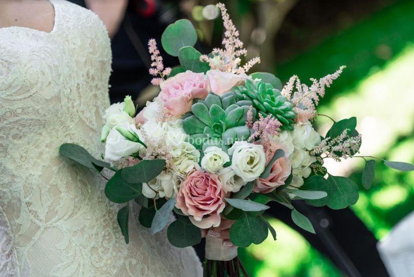 Ramo de novia con suculentas