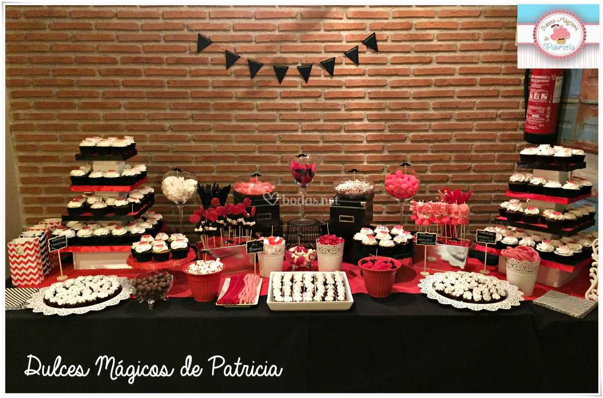 Mesa dulce roja y negra
