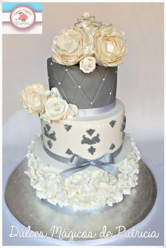 Tarta de boda plateada