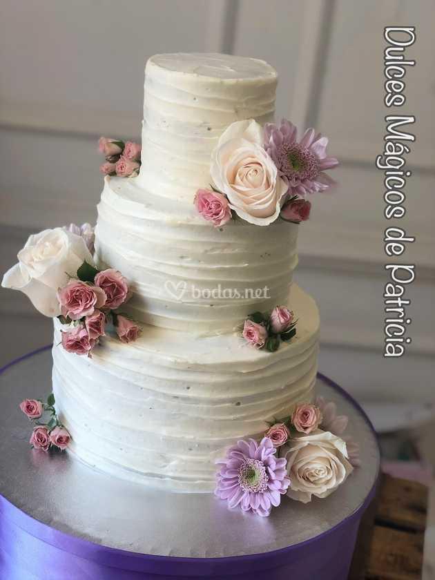 Tarta crema flores naturales