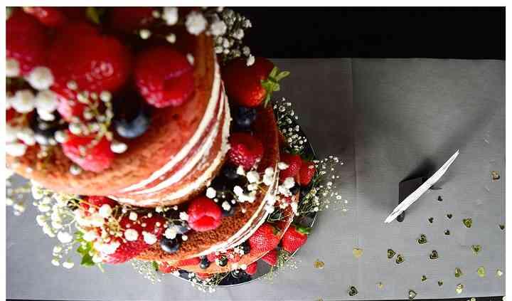 Naked Cake - Red Velvet con fresas