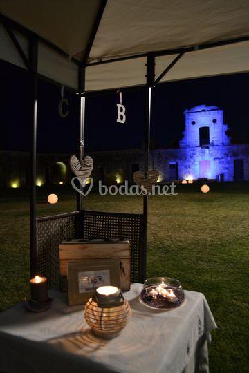 Detalle de una boda nocturna