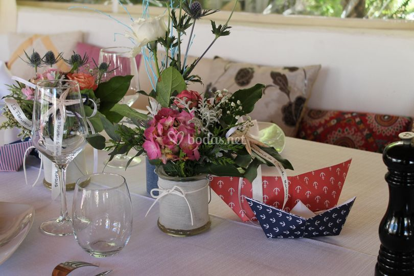Detalle de la decoración de las mesas