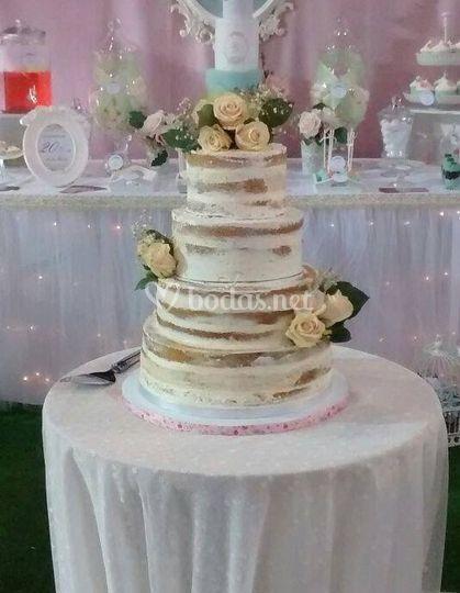 Tarta desnuda layer cake