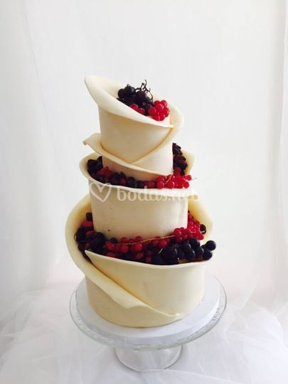 Tarta boda chocolate y frutos