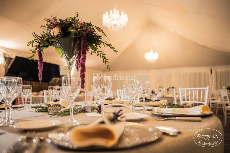 Banquete en la carpa-salón
