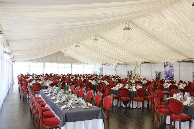 Montaje de mesas para boda