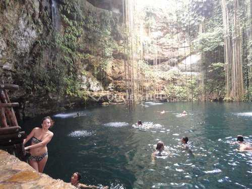 Mauricio - Cenote