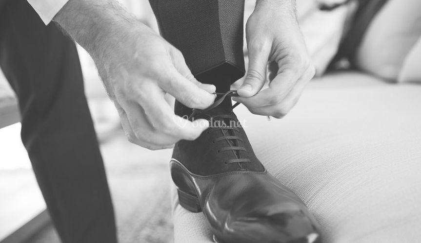 Fotografía zapatos del novio