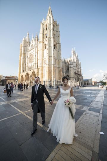 Raquel y Jairo en la Catedral