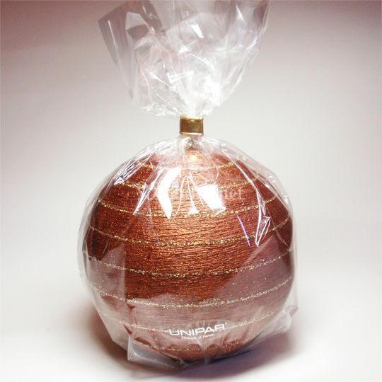Vela detalle esfera marrón
