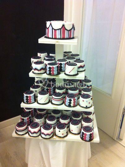 Tarta principal y minicakes